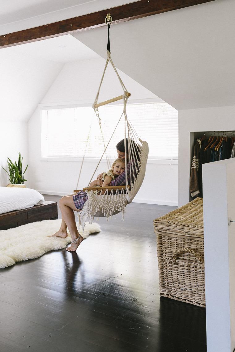 hanging-swing in hanging swing