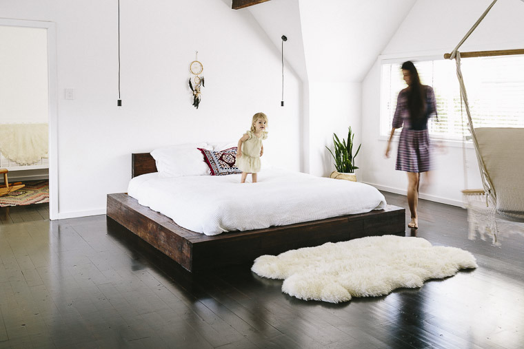 white-and chocolate-bedroom