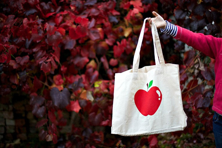 kate ulman's apple tote bag