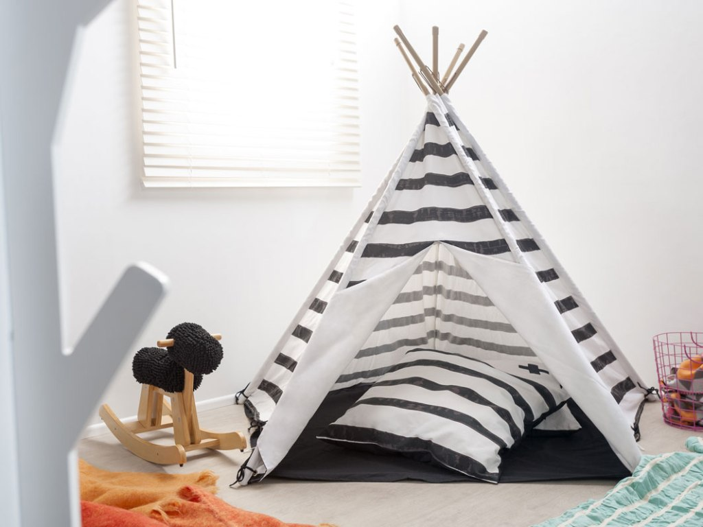 mocka teepee in black stripe