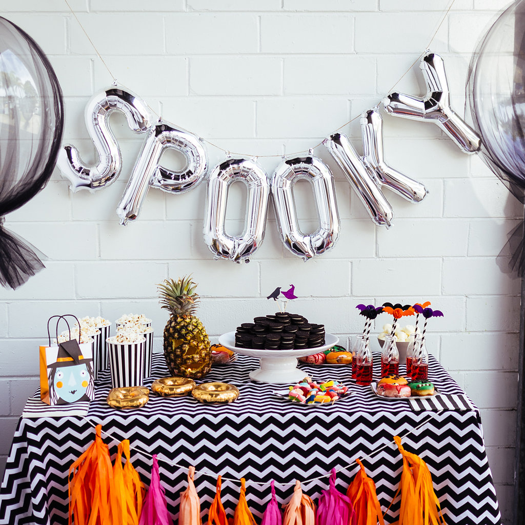 a spooktacular Halloween kids' party on www.childmagsblog.com