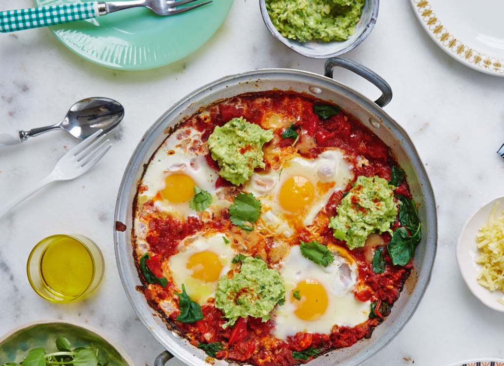 huevos rancheros with guacamole