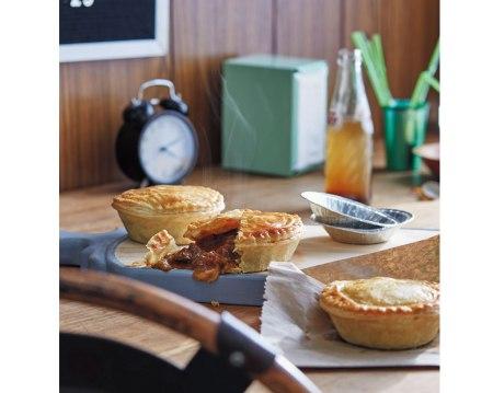 school canteens + the aussie meat pie