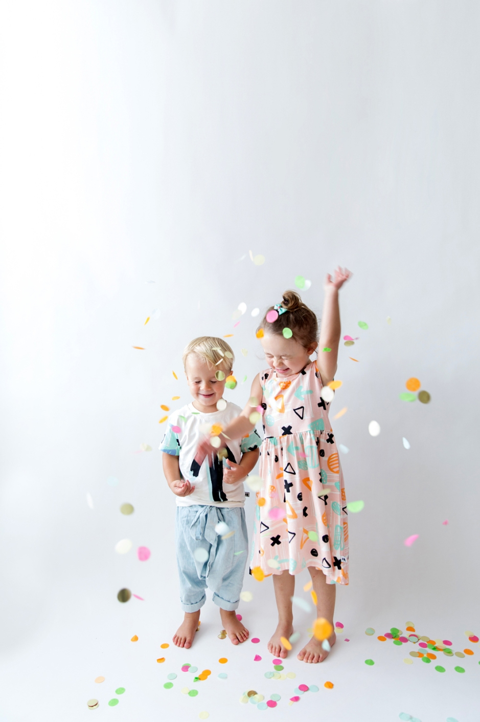 photography pop up (with confetti)