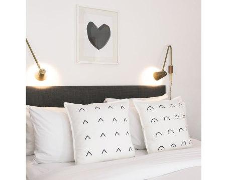 DIY: Painted Cushions