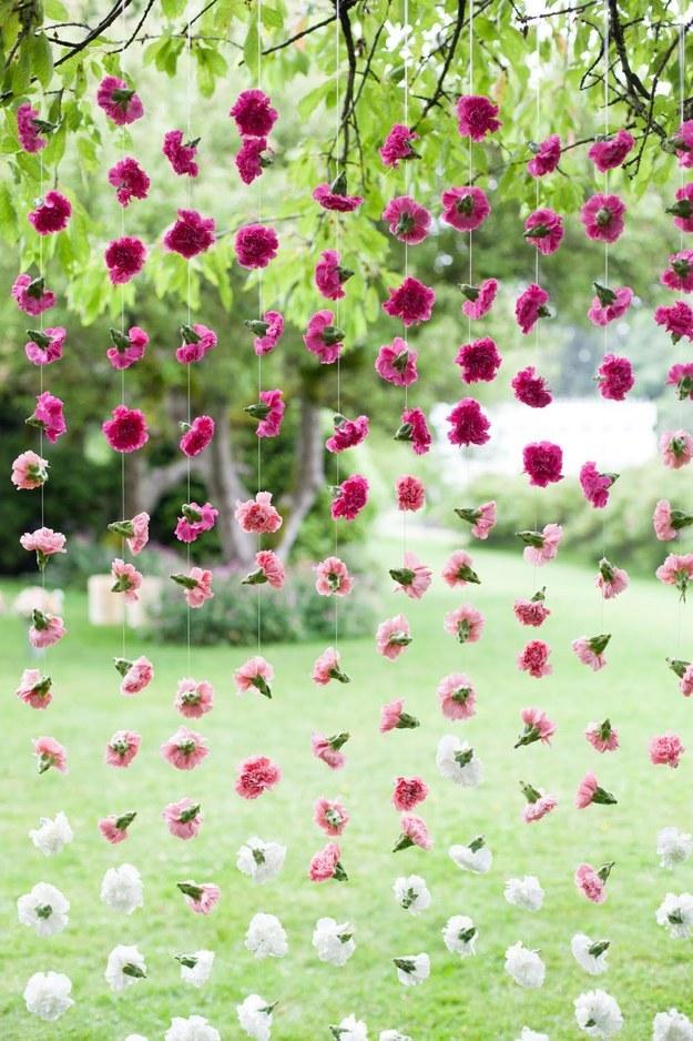 carnation-photobooth-backdrop-diy