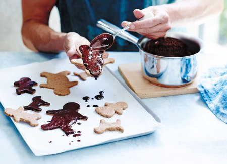 sweet + spicy gingerbread men on child mags blog