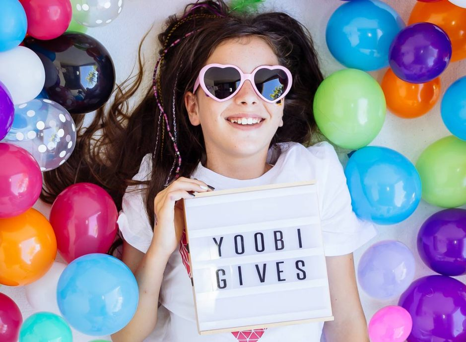 we-love-yoobi-gives